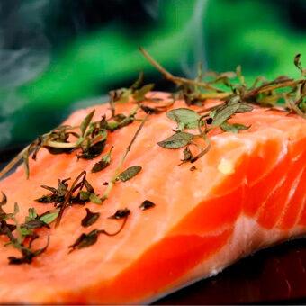 Comer alimentos con vitamina D y zinc probablemente no evitará que enfermes, pero puede ayudarte a mantener un sistema inmunológico saludable en general.